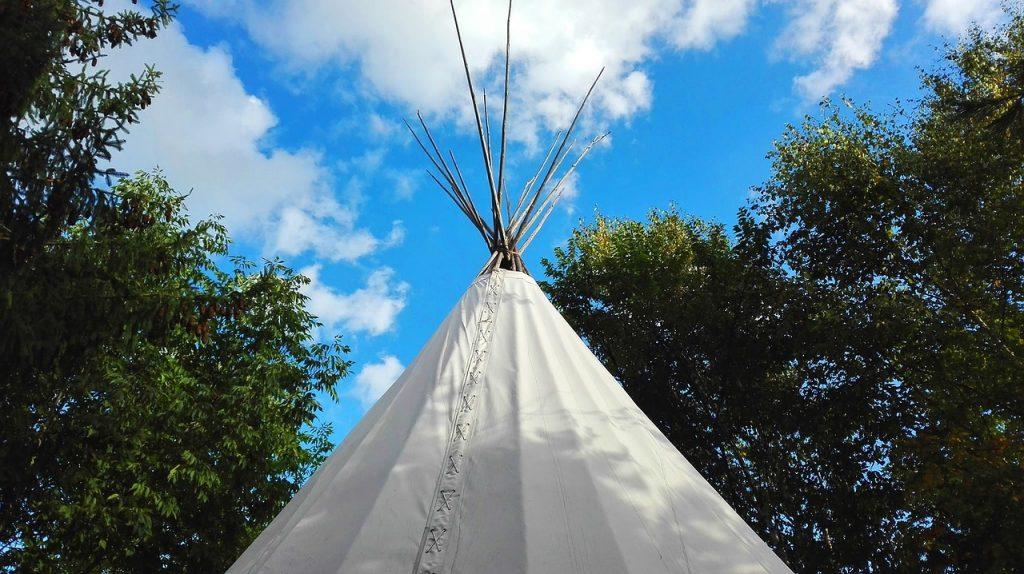 Dlaczego warto kupić dziecku namiot tipi?