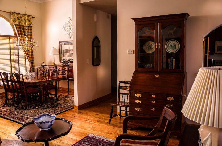 Wyposażenie domu – co w oknie