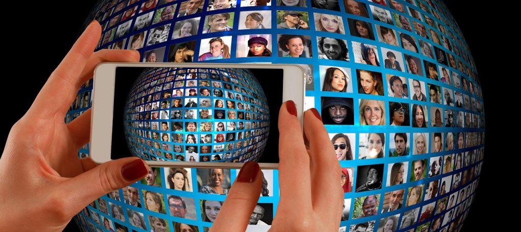 Dlaczego transmisje online są tak popularne?